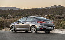Обои автомобили Hyundai Elantra Limited US-spec - 2018
