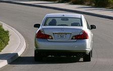 Обои автомобили Infiniti M35 - 2006