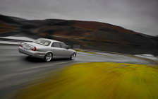 Обои Jaguar XJ8 L 2008