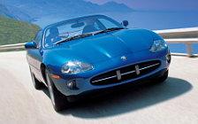 Обои автомобили Jaguar XK8 Coupe - 1996-2002