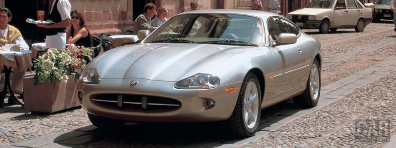 Обои автомобили Jaguar XK8 Coupe - 2003-2004 - Car wallpapers