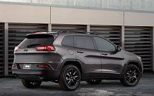 Обои автомобили Jeep Cherokee Altitude - 2014