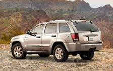Обои автомобили Jeep Grand Cherokee Limited - 2009