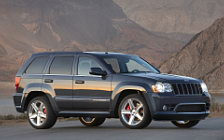 Обои автомобили Jeep Grand Cherokee SRT8 - 2010