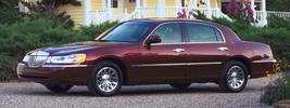Lincoln Town Car - 2001
