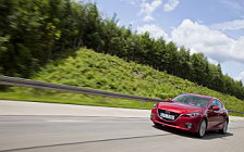 Обои автомобили Mazda 3 Hatchback - 2013